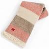 Jemná načervenalá deka